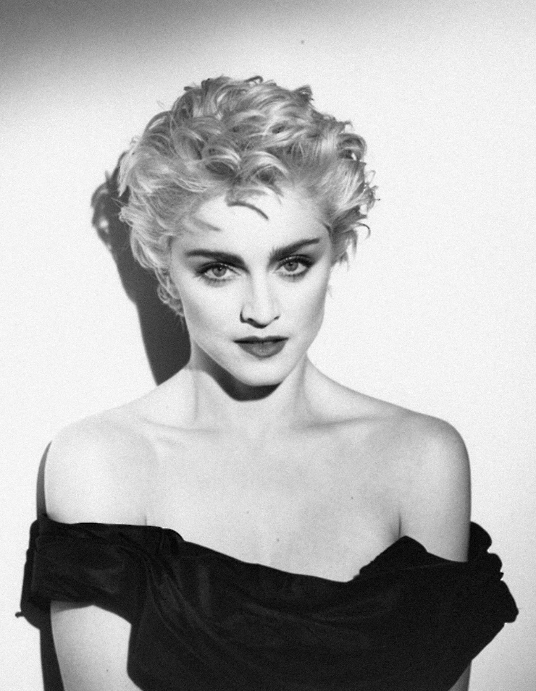 Wondrous 1986 Madonna By Herb Ritts True Blue Session Squaremadonna Short Hairstyles For Black Women Fulllsitofus