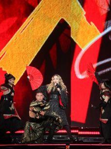 635886304204088146-Madonna-9